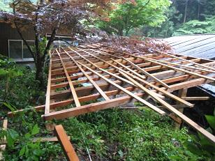 竹そうめん屋根②